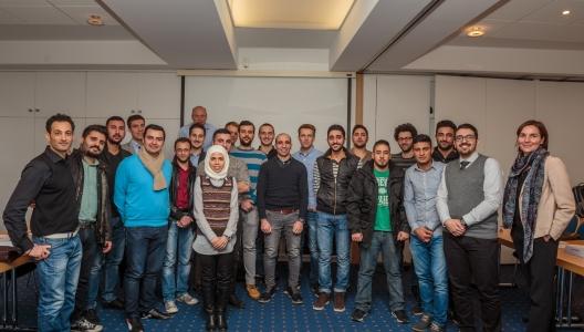 Erfahrungsaustausch für Flüchtlinge: Arbeits- und Ausbildungsleben in Hannover