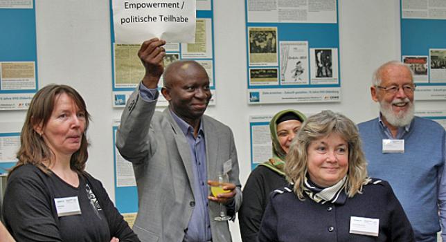 Die Welt gemeinsam im Blick Kommunen, Migranten und Geflüchtete im Austausch